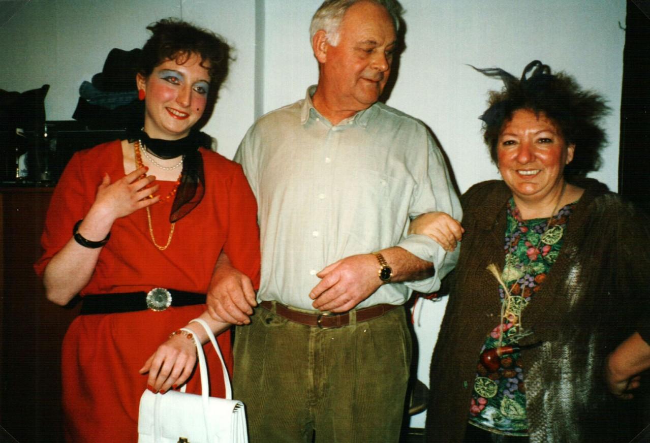 Hinter dern Bühne: Iris Engelke, Heinz Schäfer, Gertrud Ballerstaedt
