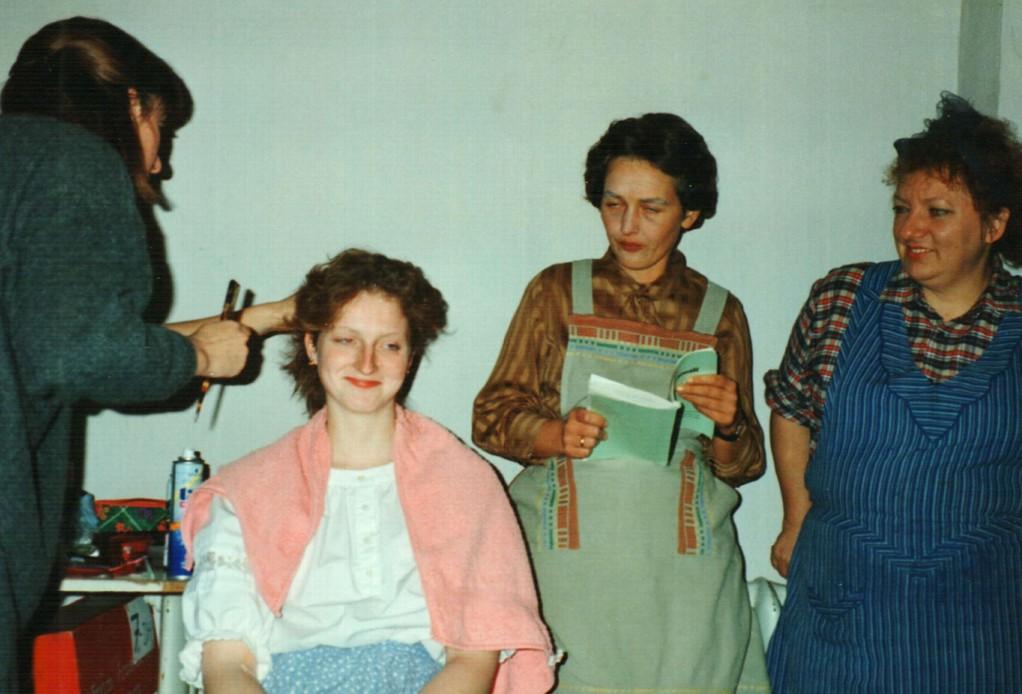 Hinter der Bühne: Irmtraud Pillasch, Iris Engelke, Brigitte Krumdieck, Gertrud Ballerstaedt