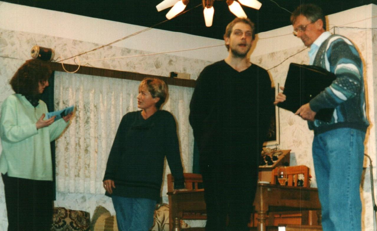 Bei der Probe: Iris Engelke, Brigitte Krumdieck, Christoph Koloff, Heinrich Gilster