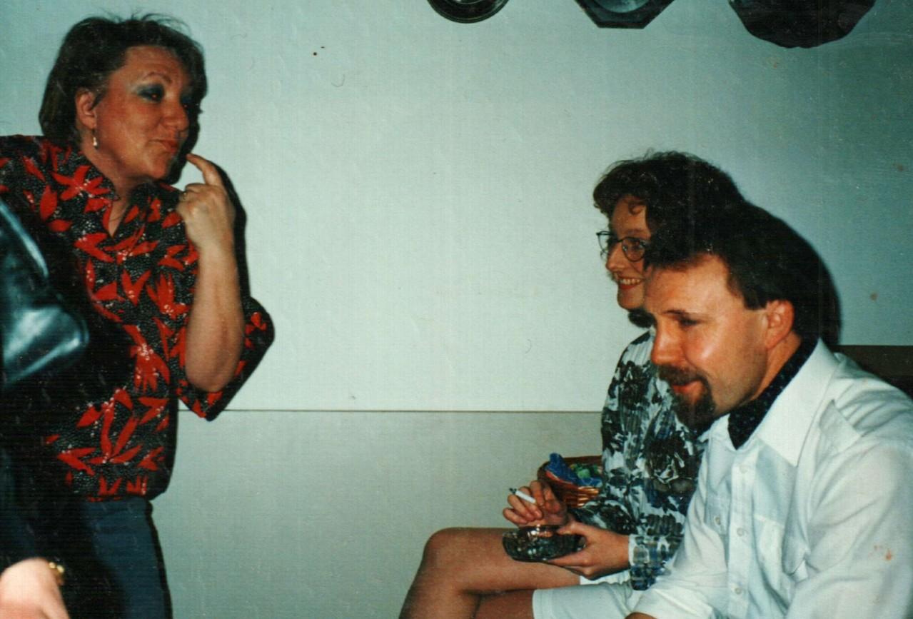 Hinter der Bühne in Bühren: Gertrud Ballerstaedt, Iris Engelke, Fritz Bergholz