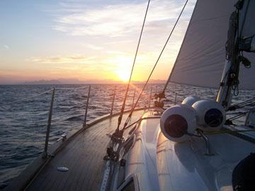 Sonnenuntergang auf See. Immer wieder ein  Traum.