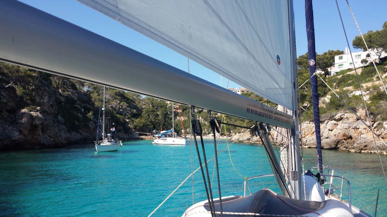 Ankern in einer der  klaren Buchten Mallorcas