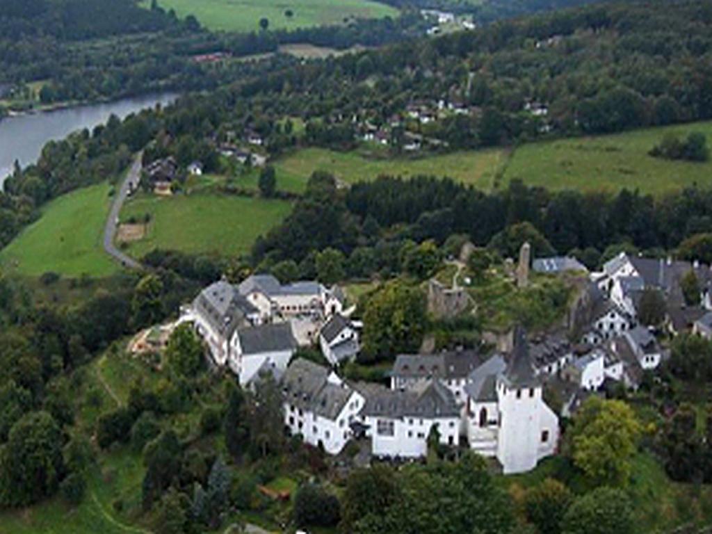 Kronenburg historischer  Stadtkern