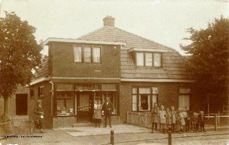 De kruidenierswinkel van Jan Posthumus in boerakker