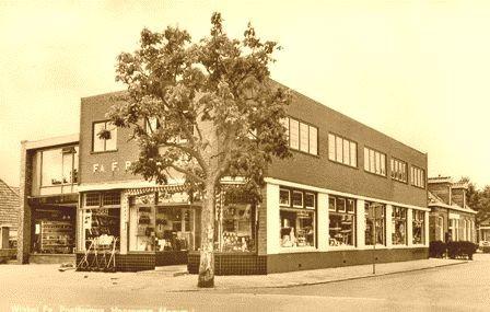 De winkel van Frerk Posthumus in Marum-West