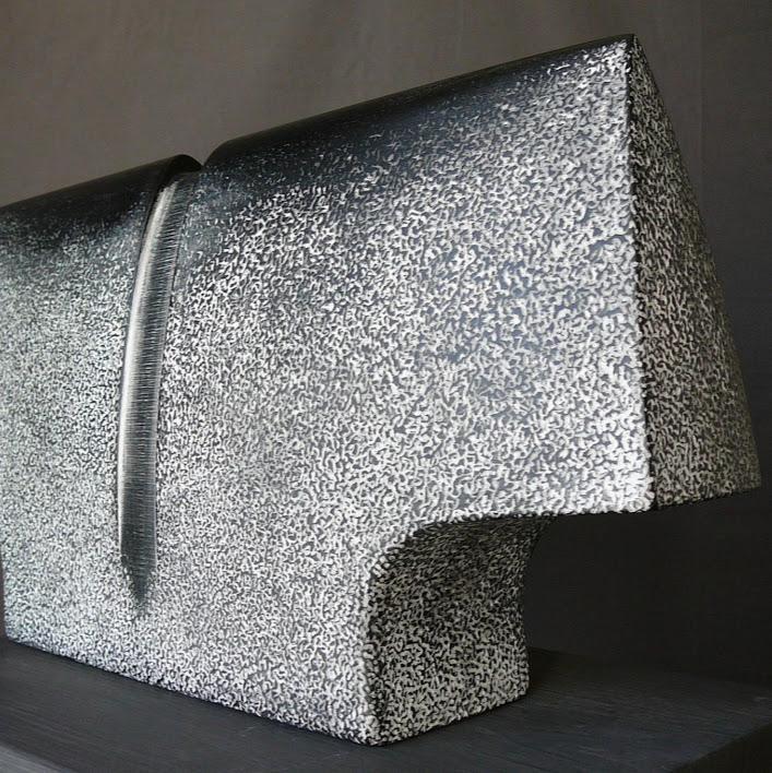 """""""Buste 1"""" - tilleul, pièce unique - 50 x 24 x 9 cm - 2017. Sculpture de Patrice Poutou"""