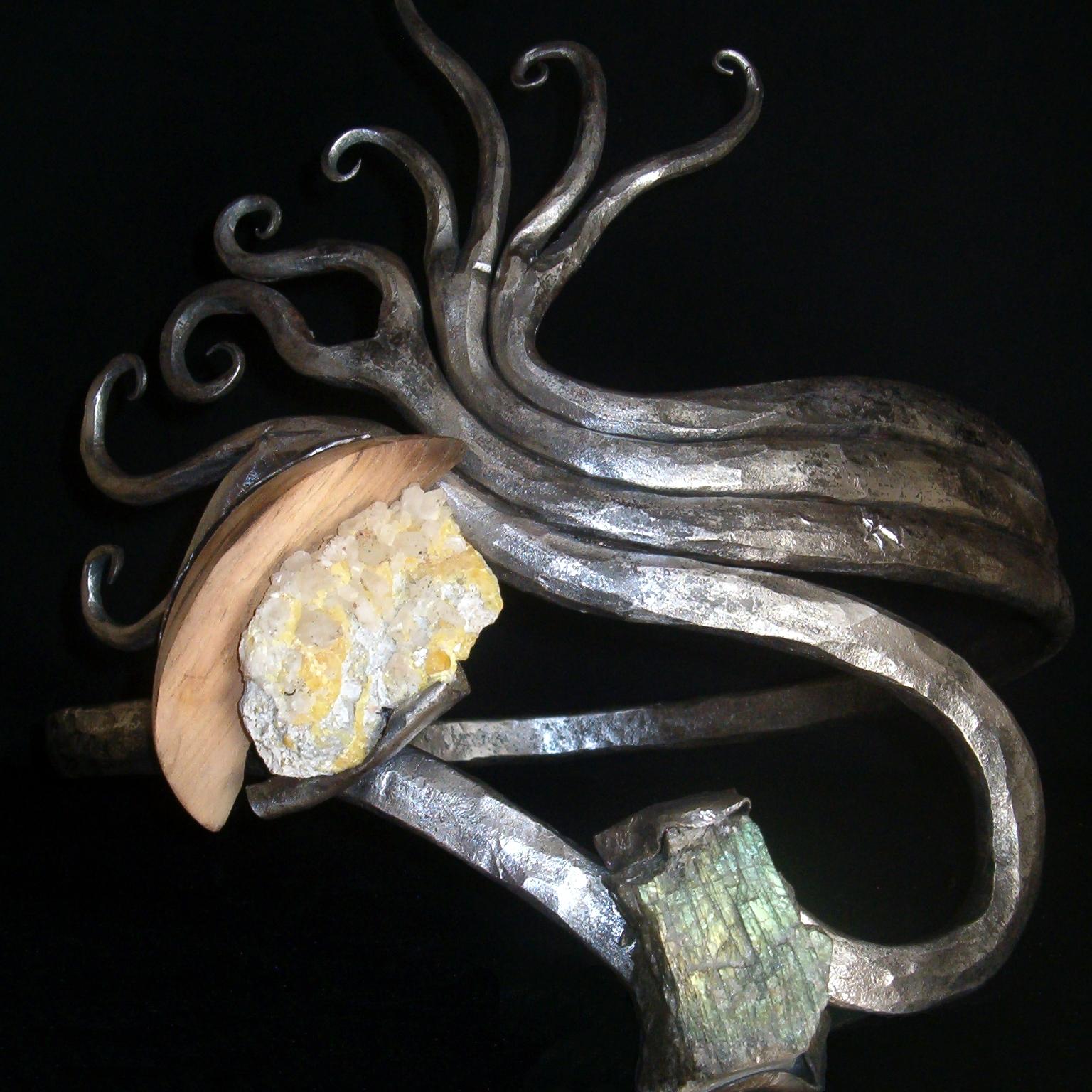 """""""Bague 46"""" - Fer pur, Quartz soufré, Labradorite, Cerisier - 38 x 33 cm. Arnaud Elisabeth"""