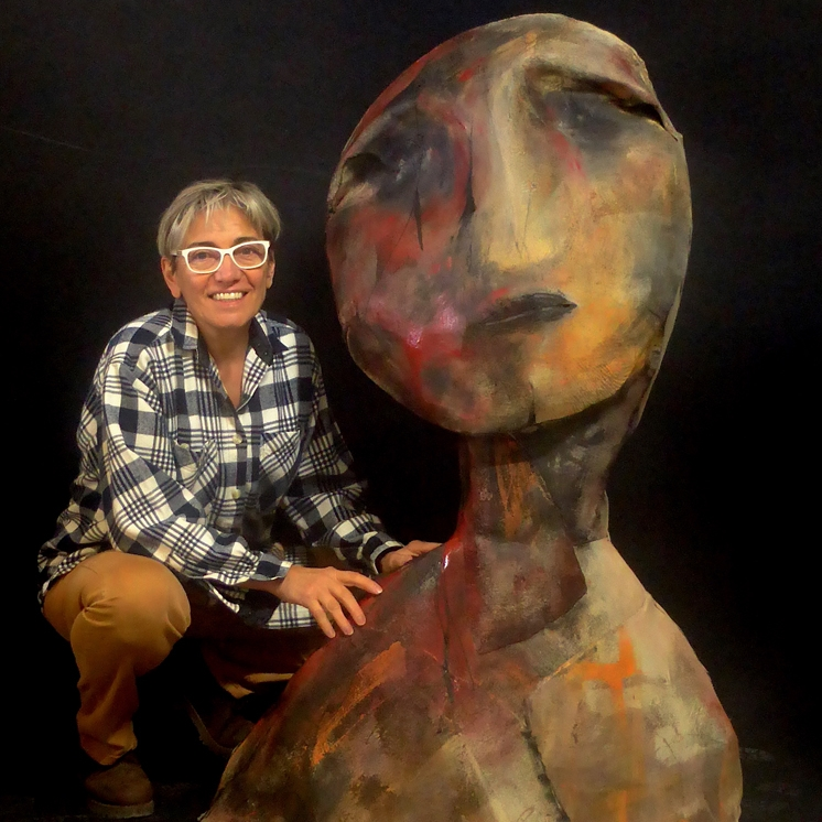 Portrait et sculpture en feutre industriel technique personnelle de Nadine Vergues
