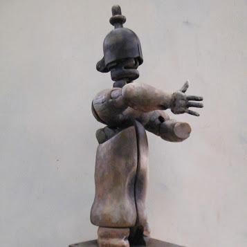 """""""Guerrier n°14"""" - Bois polychrome - 58 x 25 x 20 cm - 2019. Sculpture d'Hans Jorgensen"""