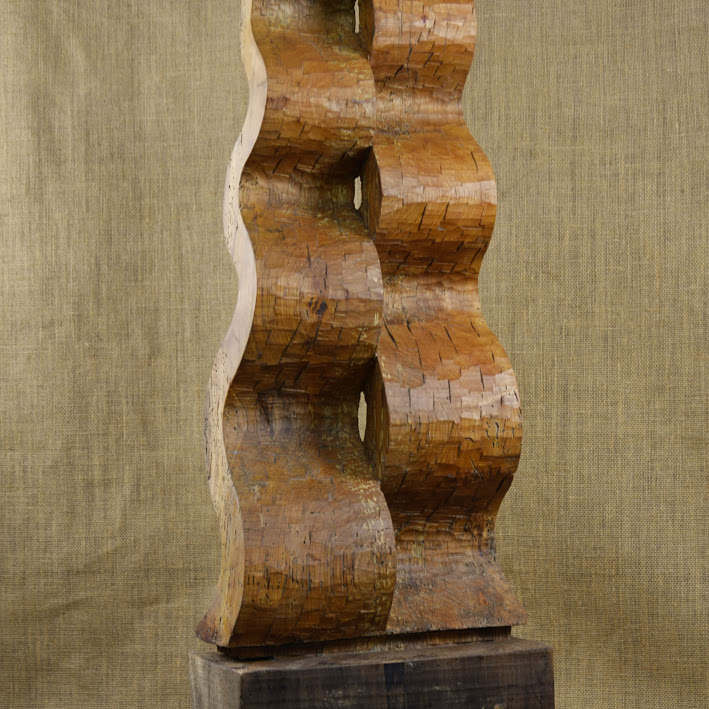 """""""Flottement""""- tilleul - h 80 cm - 2018. Sculpture de Bruno Bienfait"""