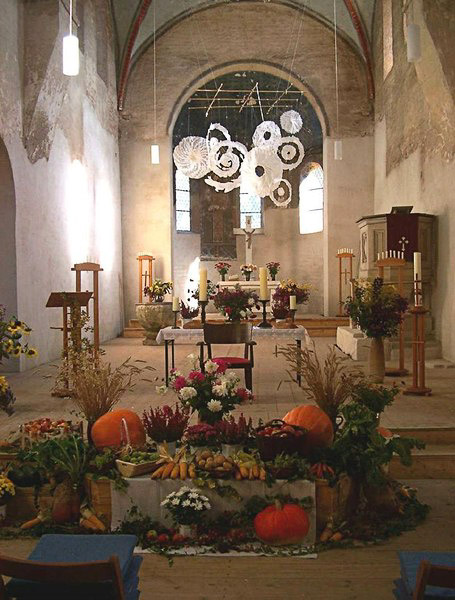 Papierinstallation Firmamente, Stiftskirche St. Nikolaus, Beuster