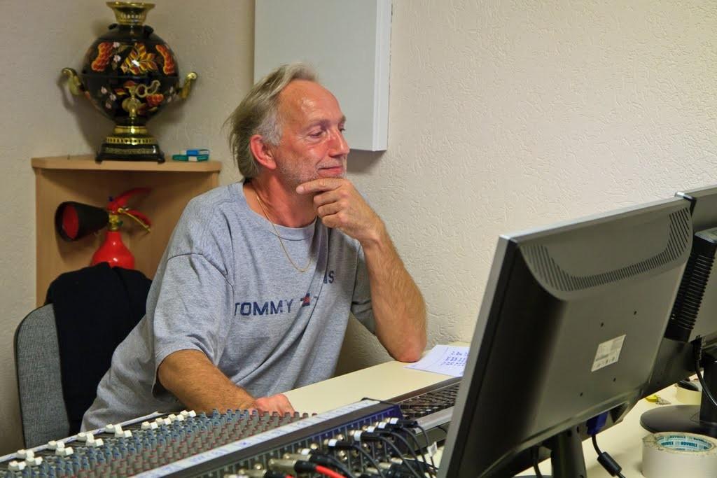 """2012 : Jacques à la console lors de l'enregistrement du CD """"Voyages..."""""""