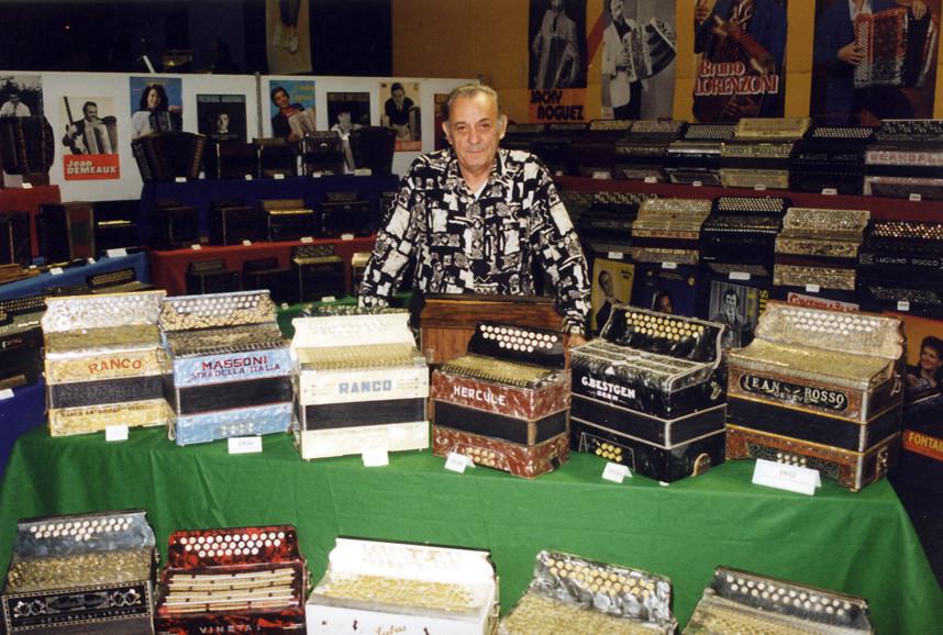 Exposition d'accordéons de Jeannot Perret
