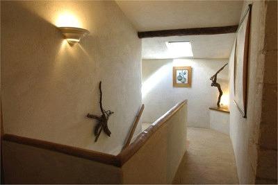 Les Peyrières - Stimmung mit echtem und künstlichem Licht in der oberen Etage