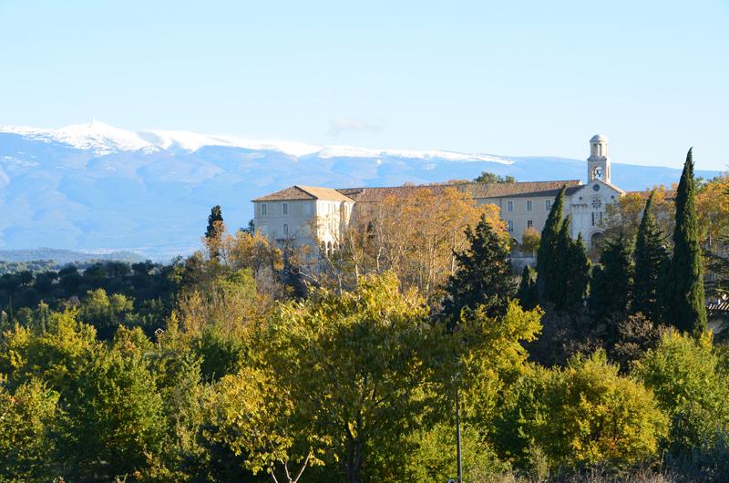 St. Didier - Aussicht auf den  nahen Mont Ventoux