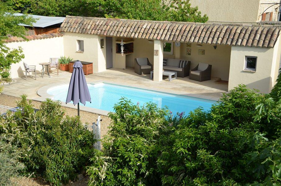 Coup de Coeur - Blick auf den Pool aus einem der Schlafzimmer