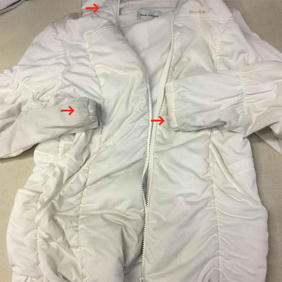 【Before】1シーズン着倒して汚れまくったコートが・・・
