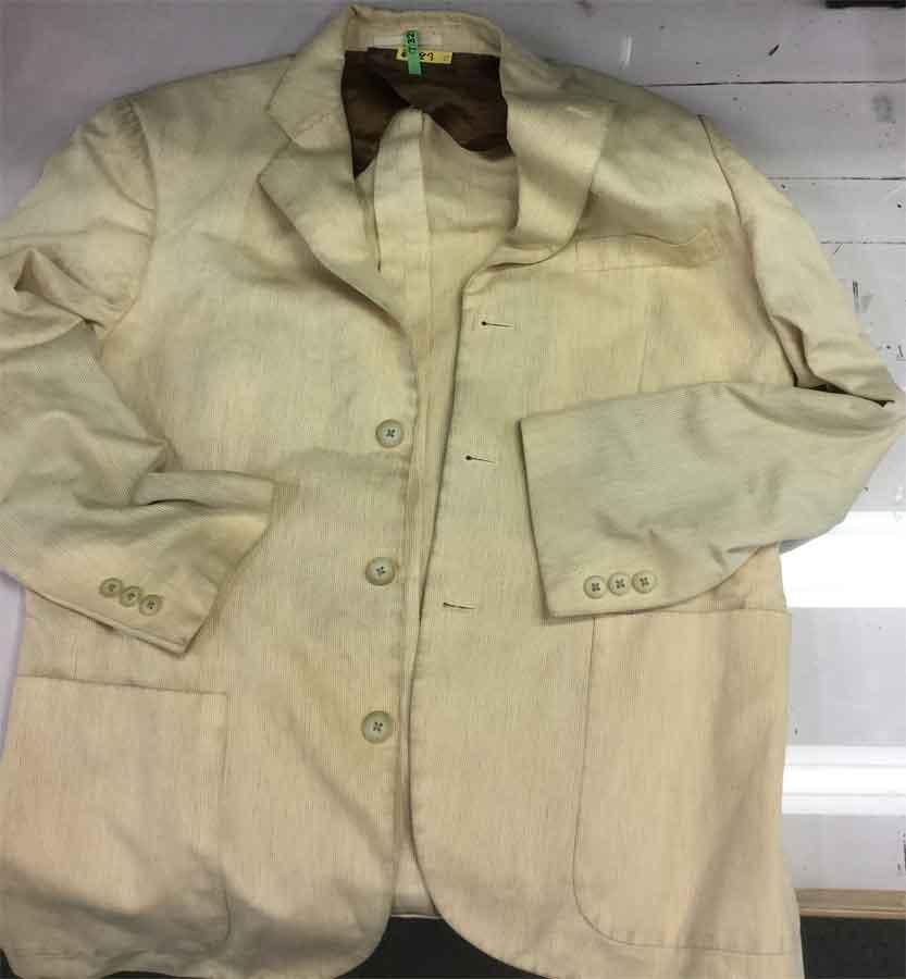 【Before】汚れを10年以上放置したジャケットが・・
