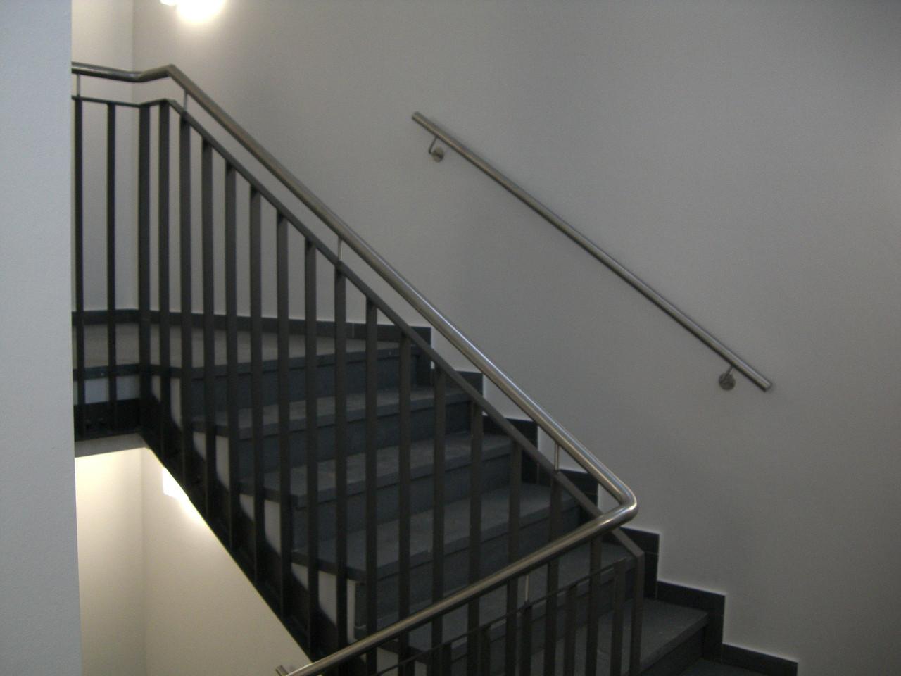 Geländer lackiert Edelstahl Handlauf