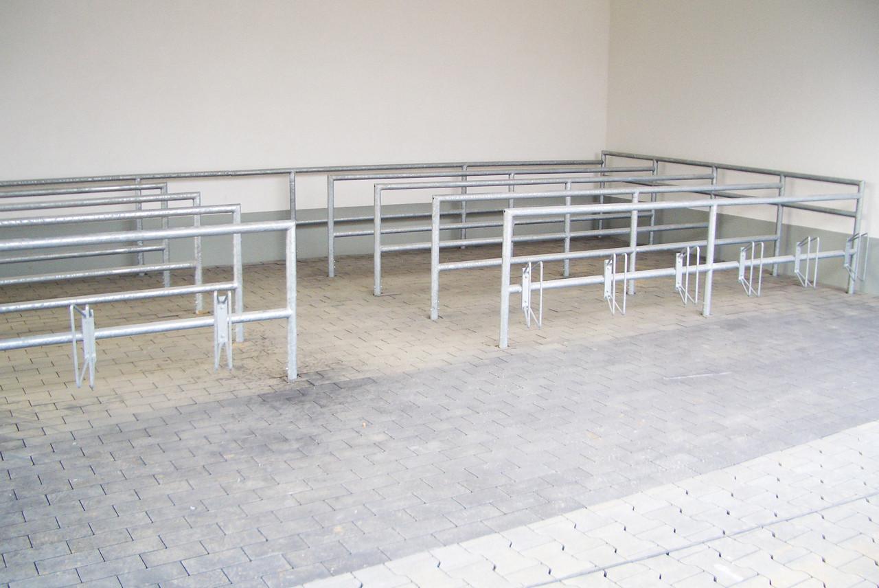 Einkaufswagenboxen, Fahradständer