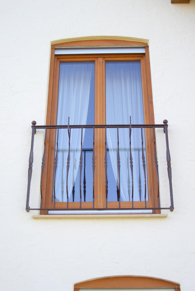 Fenstergitter pulverbeschichtet