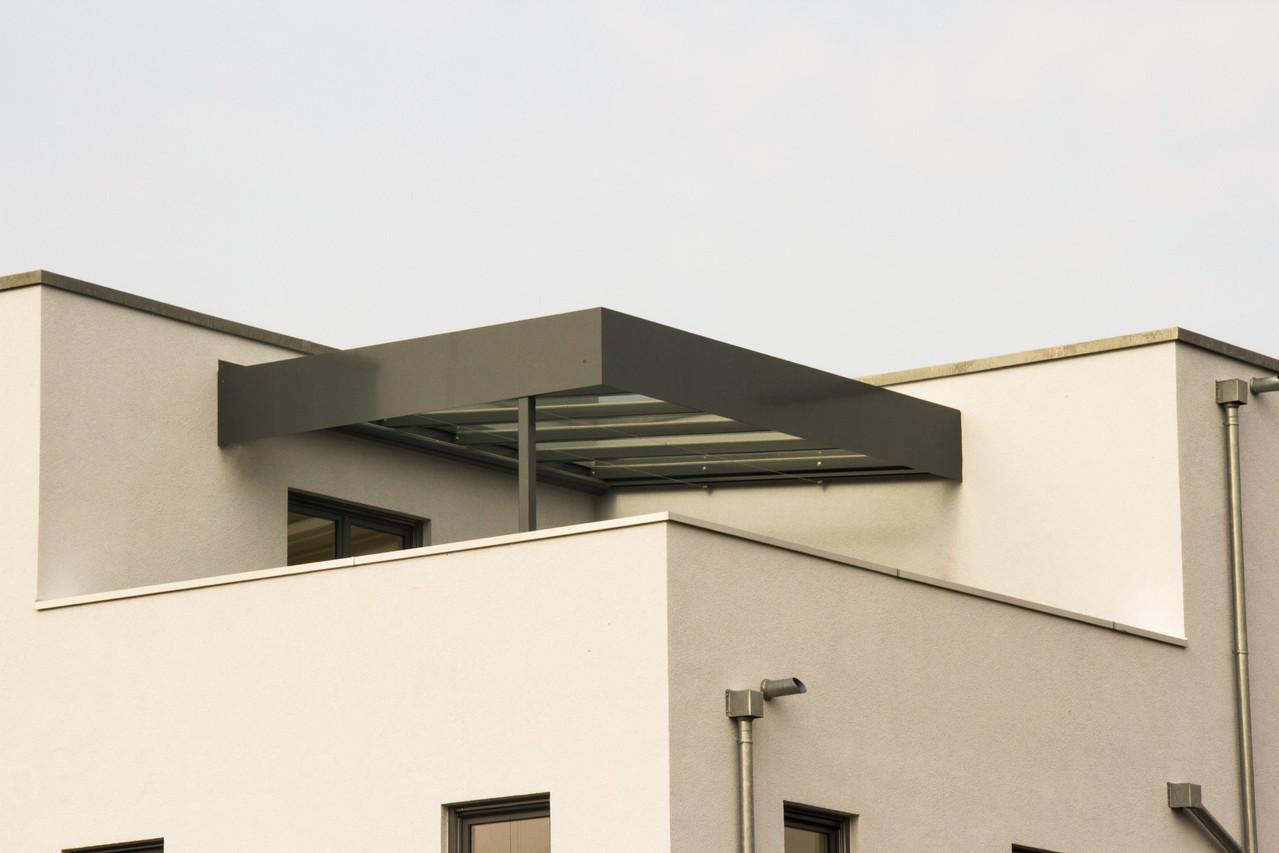 Terrassenüberdachung pulverbeschichtet grau Glas