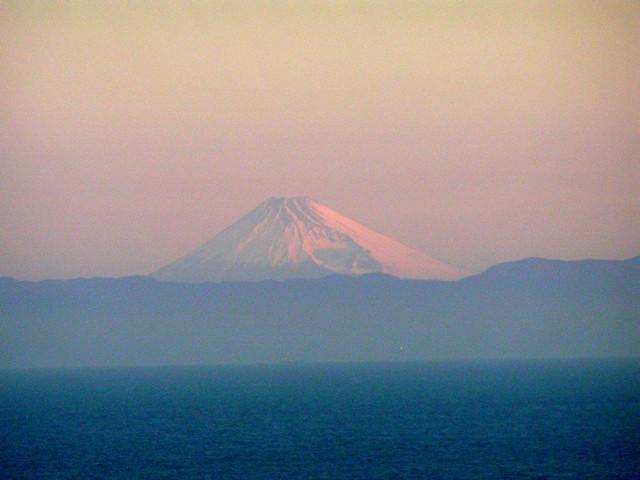店からの風景(朝焼けの富士山)