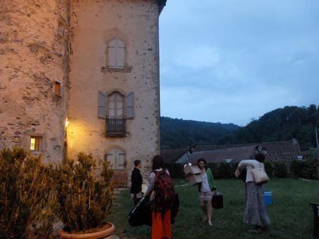 Les Boudeuses, l'équipe des Théâtrales et du Chateau de Seix quittent les lieux !
