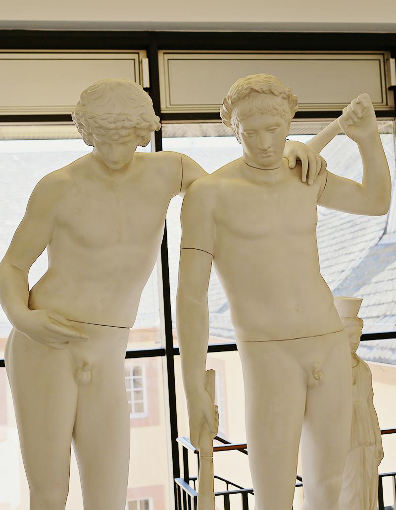 Die Ildefonso-Gruppe galt in der Neuzeit als eine der schönsten und berühmtesten antiken Statuen. Nicht nur Goethe ließ sich von ihr für seine Werke inspirieren, sondern auch die Klassizistische Kunst und die moderne Aktfotografie.