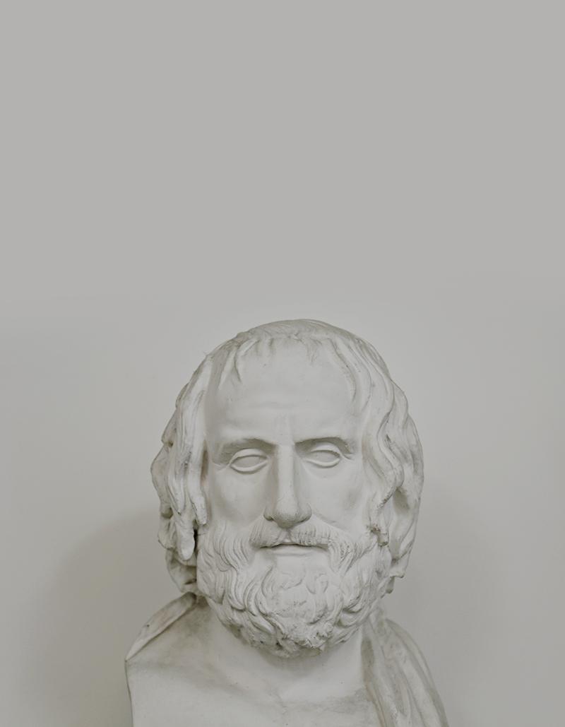 Das Gesicht des Euripides Farnese scheint gezeichnet von der Auseinandersetzung mit der Welt. Der griechische Tragiker galt als besonders intellektueller Dichter, der Religion, Tradition und Mythos hinterfragte