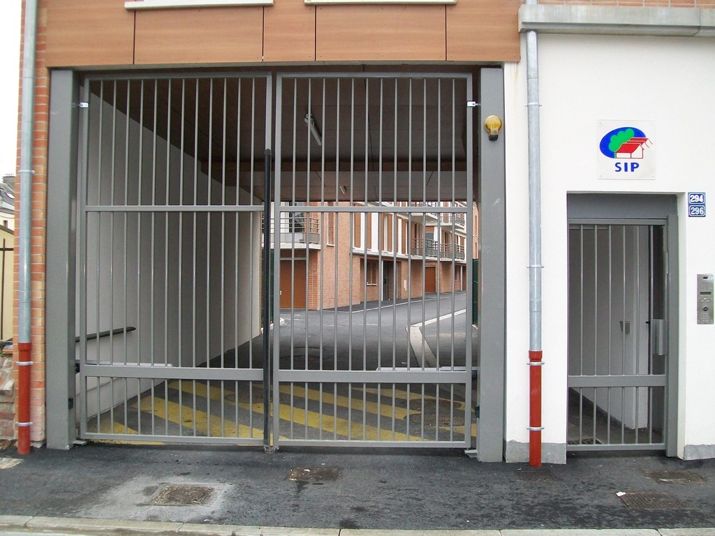 Portail et portillon automatiques pour logements collectifs