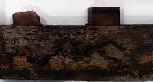 stato di usura ricambio dopo 25/30 anni di produzione: riporto gomma vulkollan deteriorata e sbriciolata.