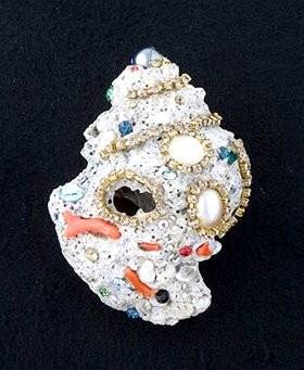 SPILLA conchiglia decorata con catena STRASS SWAROVSKI, rametti di corallo, paste di vetro ovali
