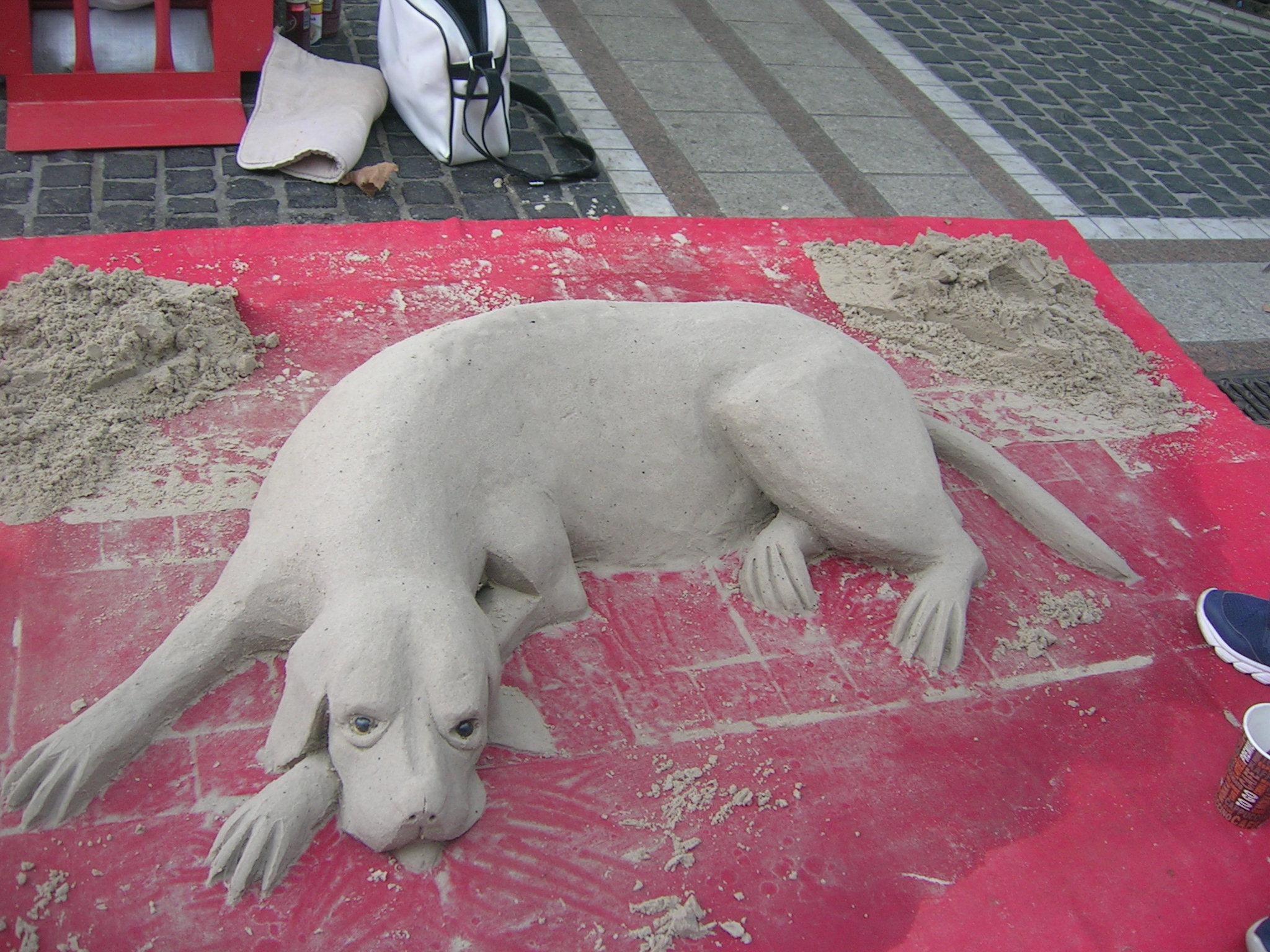 Ein Sandhund