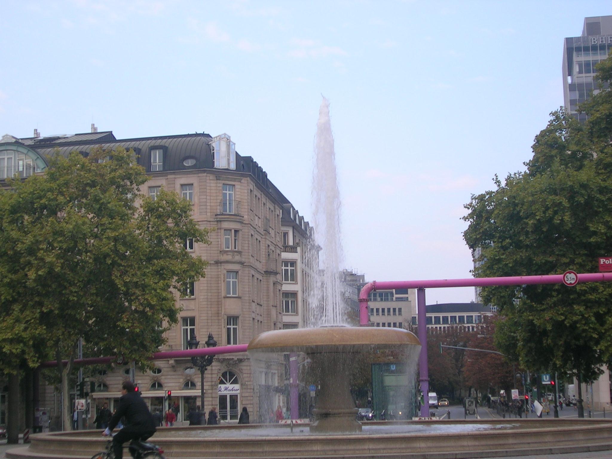 Der Opernbrunnen