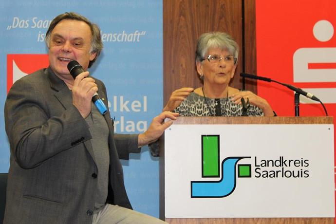 Spritziger Dialog zwischen LUISE LUFT und Herausgeber MANFRED SPOO
