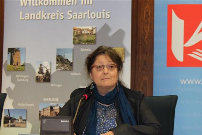 VERA HEWENER aus Püttlingen schreibt in Saarwellinger Mundart