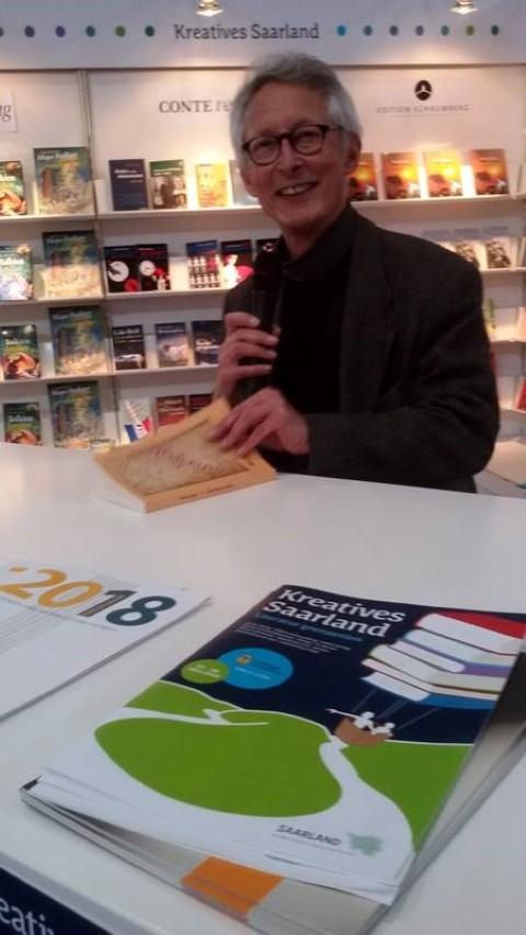 """Michael Mansion stellt sein Buch """"Unterwegs"""" vor"""