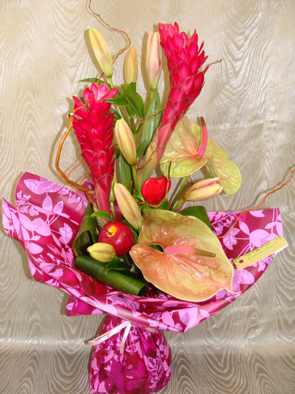 BE8-alpinea rose, lis rose, anthurium rose et vert
