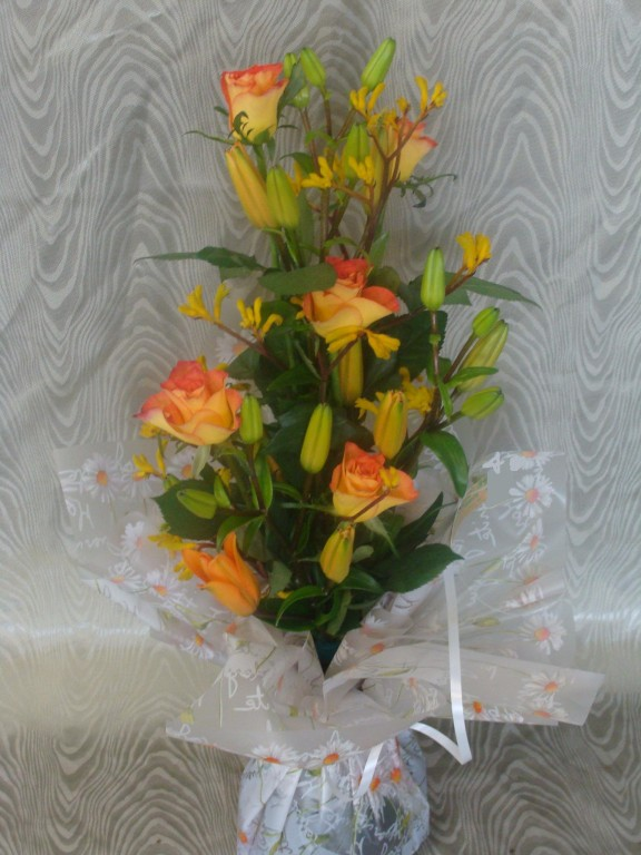 BE12-lis orange, rose orange, anigozanthus jaune