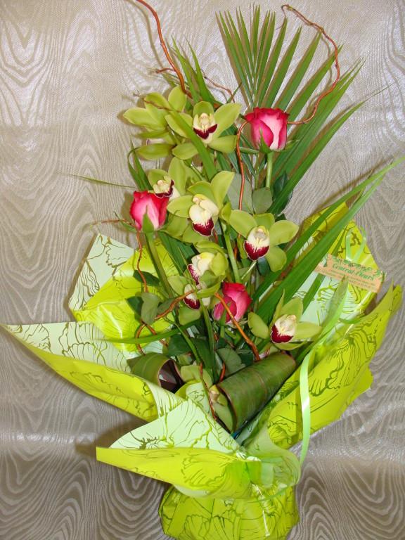 BE10-cymbidium vert, rose cerise