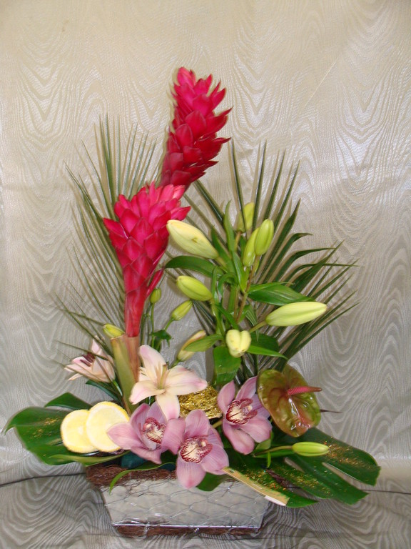 CFP8-Alpinia rouge, lis rose, cymbidium rose et anthurium vert