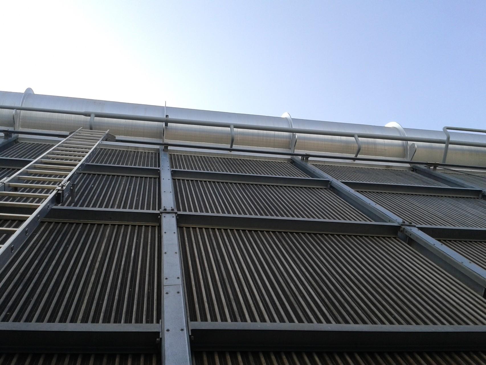 Luftkondensatorreinigung, maschinell