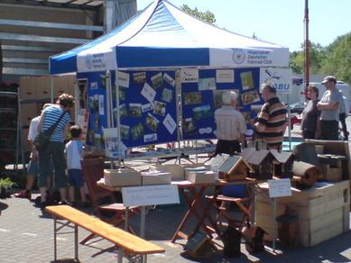 NABU-Infostand beim Blumenmarkt 2008 in Wiesmoor