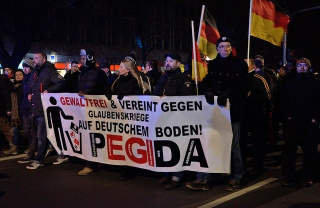 Pegida-Demo am 1.12.2014 in Dresden. Foto von flickr.com, Caruso Pinguin