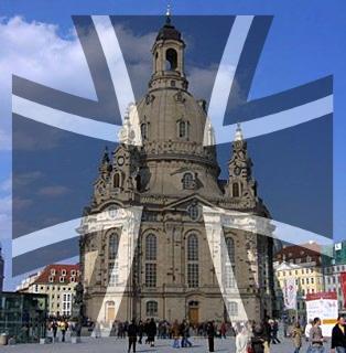 Diese Fotomontage stammt nicht vom 30.04.2014, ist aber trotzdem gut. Die Dresdner Frauenkirche ganz im Zeichen des Militärs. Leider ist das so.