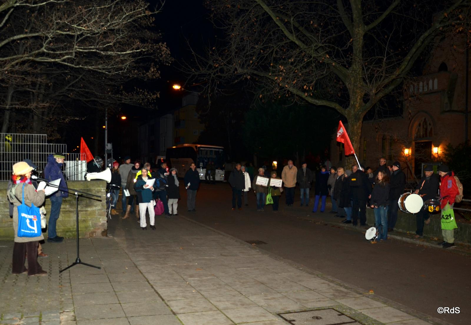 01.12.2016 Wir waren 50 Protestanten (Demonstranten)