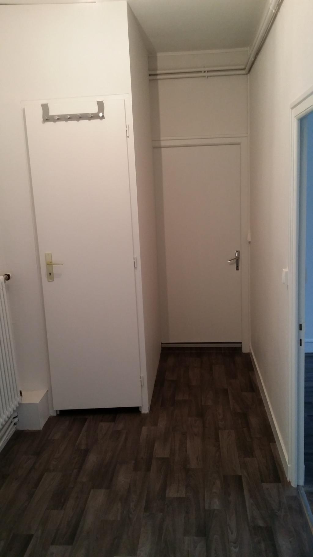 1er étage : Palier ouvrant sur les trois chambres