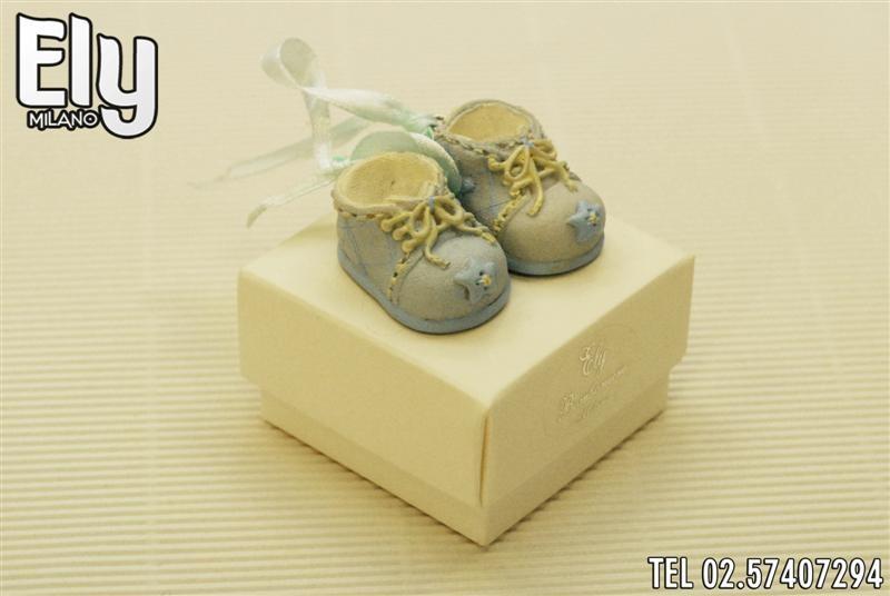 Scatoletta con scarpe
