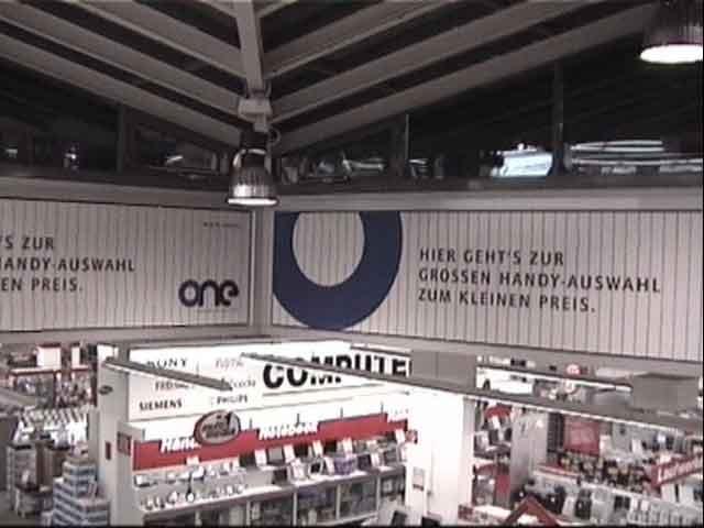 Media Markt Hietzing, Bsp. Wandmontage Indoor 2 Anlagen über Eck